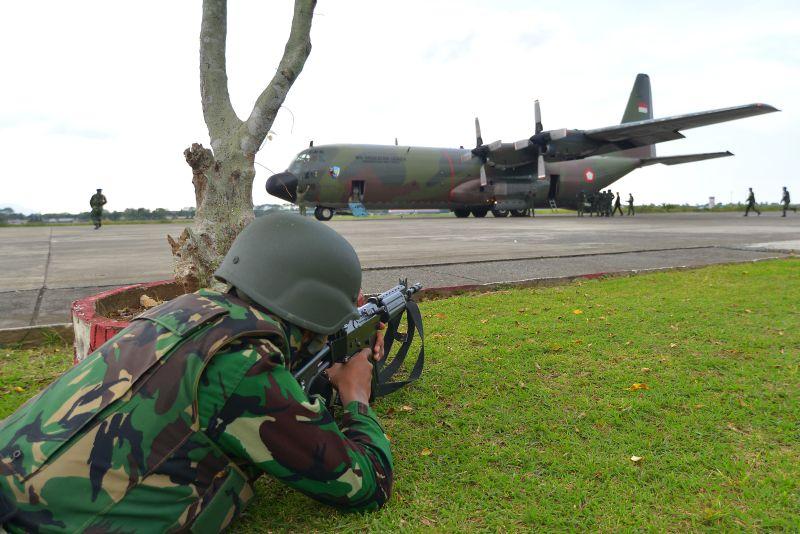 Pemerintah diminta menahan masuknya TNI ke lembaga sipil